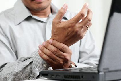 Personal holding wrist pain